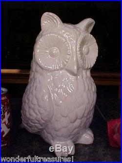 1 ONLY! Nearly LIFESIZE White Porcelain DETAILED HORNED OWL Bird Figurine Statue