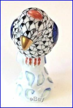 HEREND HUNGARY Porcelain Bird Statue Sculpture Figurine Pristine Condition