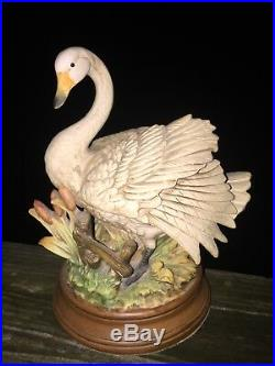 Vintage 9/7 PREENING GOOSE SWAN Open Wings Porcelain Figurine Statue UNIQUE j8