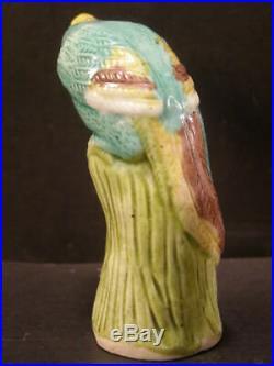 Vintage Chinese Porcelain Sancai Glazed Bird Figurine Statue Export Asian Parrot
