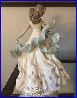 Vintage Lladro Porcelain Statue Figurine Summer Serenade 6190 Girl Bird Windy