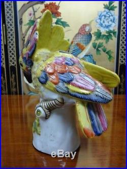 Vintage chinese Porcelain Bird Statue/sculpture
