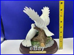 Wellington collection white Doves baby birds figurine statue sculpture nest vtg